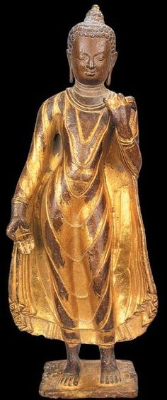 8th-9th century, Nepal, Shakyamuni, gilt copper, at the Tibet Museum in Lhasa.