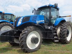 New Holland T8360 FWD New Holland Agriculture, New Holland Tractor, Ford News, Fiat, Farming, Vehicles, Photos, Pictures, Car