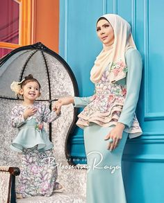 baju raya minaz 2017 Dress Pesta, Dress Anak, Muslim Fashion, Hijab Fashion, Fashion Dresses, Women's Fashion, Family Outfits, Kids Outfits, Party Outfits