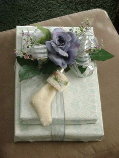 Google Image Result for http://www.party-ideas-galore.com/images/stunning-gift-wrap.jpg