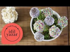 Ingredients for Cake Pops: 3 slices of Cake 50 grams Cream Cheese cups Powdered Sugar 1 tablespoon Milk 1 tablespoon Butter 75 g Dark Chocolate Cake Pops How To Make, Cake Ingredients, Fancy Cakes, Powdered Sugar, Cheese, Chocolate, Cream, Breakfast, Easy