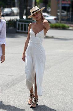 El blanco es un excelente color para el verano.