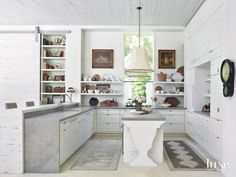 Kitchen in Dutch Style to Enhance a West Indies Feel