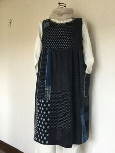 「にゃん」の針しごとの画像|エキサイトブログ (blog) Embroidery On Clothes, Embroidery Dress, Sewing Clothes, Diy Clothes, 50 Fashion, Fashion Outfits, Dress Making Patterns, Indian Designer Outfits, Apron Dress