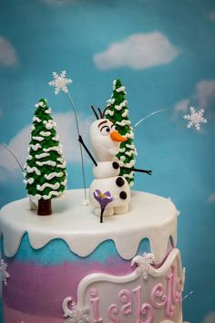 In this video I show you how I made my little Olaf in the Frozen theme birthday cake I made. I hope you enjoy! Thanks for watching! Don't forget to subscribe...