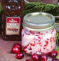Honey Cranberry Butter - this spread is perfect for winter ... especially for the holidays! It's tangy and sweet flavor goes perfectly on a piece of toast or an english muffin.