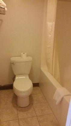 Bathroom, Econo Lodge Brooks  |  1119 2 St W, Brooks, Alberta T1R0N9, Canada