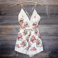 vintage inspired floral crochet romper women's boho chic bohemian gypsy hippie southern style spring summer outfits clothing rompers playsuit