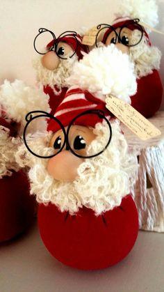 1 million+ Stunning Free Images to Use Anywhere Primitive Christmas, Christmas Gnome, Christmas Sewing, Christmas Christmas, Christmas Crafts For Gifts, Homemade Christmas, Christmas Projects, Santa Decorations, Xmas Ornaments