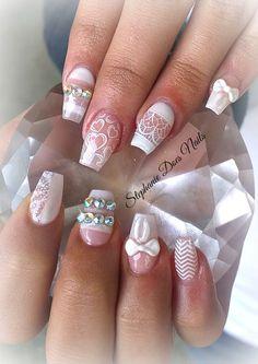 Dainty acrylic nails. @stephaniedoesnails