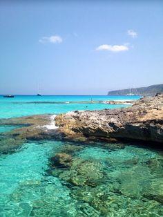 #Fly #me #Away to #Ibiza: #Setembro em #Formentera | #visitar a #ilha #paraíso do #Mediterrâneo #férias #experiências  #barco #natureza #cultura #proteção #MeioAmbiente #praias #EsCalo #tranquilidade