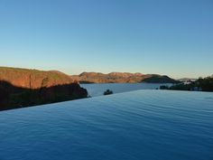 Infinity pool at Lake Argyle resort. English Heritage, Western Australia, Cool Places To Visit, The Good Place, Infinity, Travel Destinations, Scenery, River, Adventure