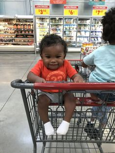 Awwwww hi baby! Cute Mixed Babies, Cute Black Babies, Beautiful Black Babies, Cute Little Baby, Lil Baby, Pretty Baby, Little Babies, Baby Love, Beautiful Children