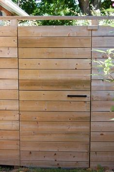 The Art of the Invisible Gate Latch dog fence garage Wood Fence Gates, Fence Doors, Diy Fence, Metal Fence, Backyard Fences, Fence Panels, Fence Ideas, Barn Doors, Barnwood Doors