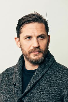 Tom Hardy Is at Home as Hero and Villain in 'Taboo' – The New York Times – Home hair cuts Miracle Tom Hardy Beard, Tom Hardy Haircut, Tom Hardy Hot, New York Times, Ny Times, Toms, Tommy Boy, Men With Street Style, Hommes Sexy