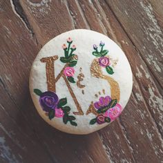 Hand-painted macarons inspired by Rifle Paper Co.