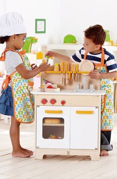 Gourmet kitchen for the kids http://rstyle.me/n/uguxvnyg6