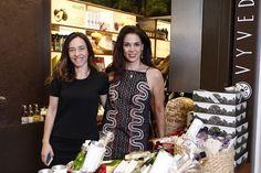 BEAUTY. As empresárias Mariana Rabello Soares e Rebeca Ouro-Preto, diretoras da Vyvedas, receberam vips durante coquetel de lançamento na loja do Shopping JK Iguatemi. Confira... www.flashesefatos.com.br