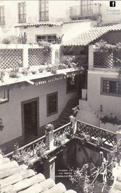 Este es el patio del Hotel Paseo de la Presa. Propiedad de Ricardo Valenzuela por los años 50s y estaba frente a la casa de los Parkman.