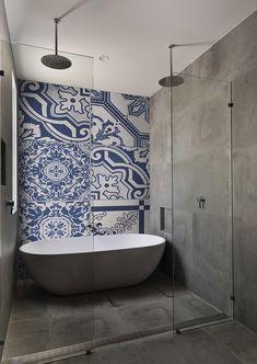 8 BATHROOM WALLPAPER PATTERNS THAT WILL MAKE YOU RE-THINK YOUR TILE BACKSPLASH #londonart #freshbreeze