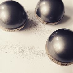 Manchmal darf es gerne etwas Luxus sein oder nicht? Luxesse von PHYRIS ist so vollkommen wie Perlen.  LUXESSE von PHYRIS wirkt dreifach gegen die Zeichen der Zeit. Gönnen Sie sich einzigartige Pflegeprodukte und fühlen Sie sich besonders.