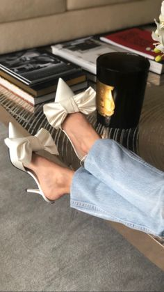 Dr Shoes, Me Too Shoes, Shoes Heels, Bow Heels, Pretty Shoes, Beautiful Shoes, Bridal Shoes, Wedding Shoes, Look Fashion