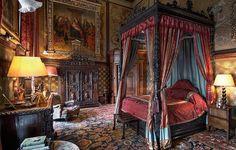 Bedroom inside Castle Howard, Yorkshire, England, Michael D. Medieval Bedroom, Eastnor Castle, Inside Castles, Castle Bedroom, Royal Bedroom, Cozy Bedroom, Castle Howard, Medieval Castle, My New Room