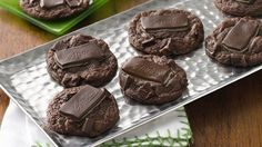 Cookie Recipes - These delicious and decadent mint-chocolate cookies are perfect for your next gathering. Cookie Brownie Bars, Cookie Desserts, Holiday Desserts, Holiday Baking, Christmas Baking, Just Desserts, Christmas Foods, Christmas Cookies, Chocolate Peppermint Cookies