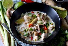 Thaise kokos soep met kip en noodles! (Tom Kha Kai) Thai Recipes, Asian Recipes, Low Carb Recipes, Soup Recipes, Dessert Recipes, Tom Kha Kai, Fodmap, Healthy Lifestyle, Lunch