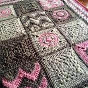 Transcendent Crochet a Solid Granny Square Ideas. Inconceivable Crochet a Solid Granny Square Ideas. Modern Crochet Blanket, Crochet For Beginners Blanket, Patchwork Blanket, Crochet Blanket Patterns, Baby Blanket Crochet, Crochet Baby, Stitch Patterns, Crochet Blankets, Learn Crochet