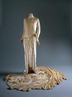 1929 silk Wedding ensemble by Madeleine Vionnet, French.  Via Metropolitan Museum of Art.