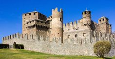 Get ready to pack your bags! One hundred historic Italian buildings—including ancient castles, old houses, monasteries, towers, and farmhouses—are all being given away completely free of charge. Yup, that's right: you can own your very own castle in Italy for no cost!