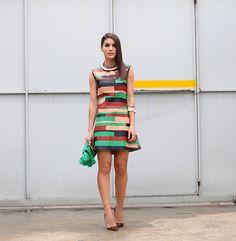 Camila Coelho Vestido: Patrícia Viera   Sapato: Christian Louboutin   Colar e Bracelete: De-Africa   Bolsa: Jô de Paula