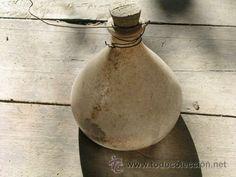 Antigua botella *TRAMPA AVISPAS* Sección Agronómica Barcelona