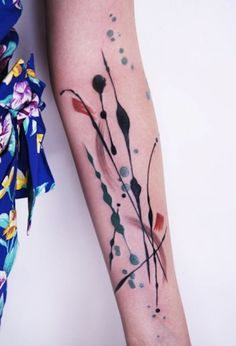 With her skin as a canvas, this artist tattooed some awesome abstract 'Modern Art' on her body - This reminds me of some of our artist Mendo's work. www.moderncrowd.com/mendo-abstract-paintings
