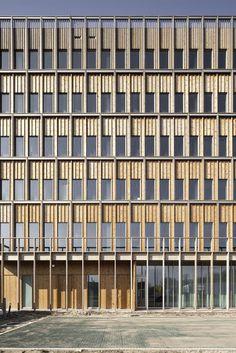 Compact en duurzaam kantoorgebouw van HUB - PhotoID #367598