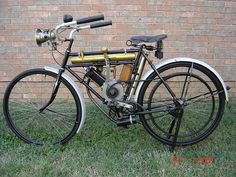 Google Image Result for http://motorbike-search-engine.co.uk/classic_bikes/1912_shaw_motorcycle.jpg