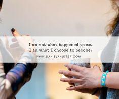 Daniela Hutter schreibt im YinPrinzip über zeitgemässe Spiritualität und die erwachende Weiblichkeit, erinnert die Frauen an Sisterhood Inspirierender Text, Coaching, Workshop, Change Your Mind, Motivation, Choose Me, You Changed, Mindfulness, Shit Happens