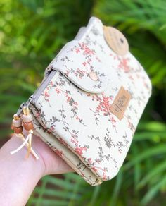Pouch, Wallet, Cross Stitch Embroidery, Baby Dolls, Diy And Crafts, Coin Purse, Crafty, Couture, Quilts