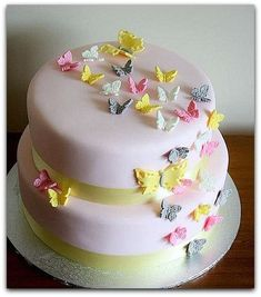 Butterflies birthday cake beautiful with Brown and pink instead. Pretty Cakes, Cute Cakes, Beautiful Cakes, Butterfly Birthday Cakes, Butterfly Cakes, Fondant Cakes, Cupcake Cakes, Christening Cake Girls, Baby First Birthday Cake