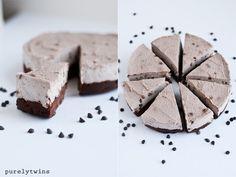 healthy raw vegan chocolate cookie cake