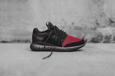 Adidas Tubular Radial (Black/Burgundy)