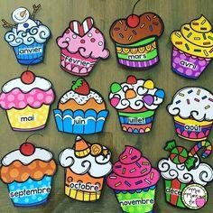 12 affiches de cupcakes correspondant aux 12 mois de l'année afin d'afficher les anniversaires de vos élèves.