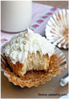 My favorite vanilla cupcakes - Cakewhiz