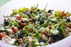 Przepyszna, kolorowa i zdrowa sałatka idealna na grilla lub dodatek do obiadu.