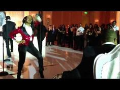 Bride channels her inner Beyonce and performs for her husband....complete with DIVA FAN!