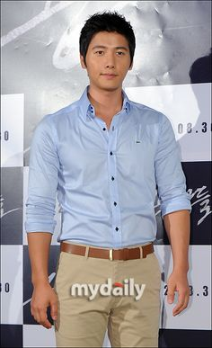 Lee Sang Woo attended the VIP premiere of the movie Conspirator,21/8/2012