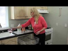 Did you know you can get your dishwasher sparkling clean with three simple household items? Say goodbye to standing water, unpleasant smells, and poor dishwasher efficiency! Homemade Cleaning Products, House Cleaning Tips, Deep Cleaning, Cleaning Hacks, Cleaning Supplies, Cleaning Your Dishwasher, Kitchen Cleaning, Clean Baking Pans, Glass Cooktop