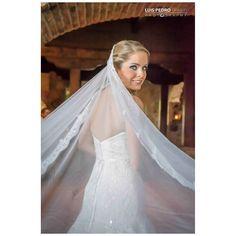 Are you talking to me? #luispedrogramajophotography #wedinguatemala #wedding #weddingday #destinace #destinasyon #destination #destinationwedding #bridebook #destinazione #weddingphoto #weddingideas #weddings #weddingphotography #weddingphotographer #weddingdress #love #forever #antigua #picoftheday #photooftheday #weddingideas_brides #weddingawards #weddinginspiration #HuffPostIDo #bruiloft #marriage #matrimonio