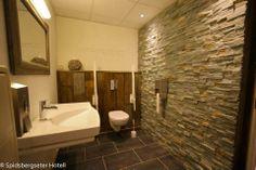 Detalj Toilet, Bathroom, Washroom, Flush Toilet, Bathrooms, Litter Box, Toilets, Bath, Bathing